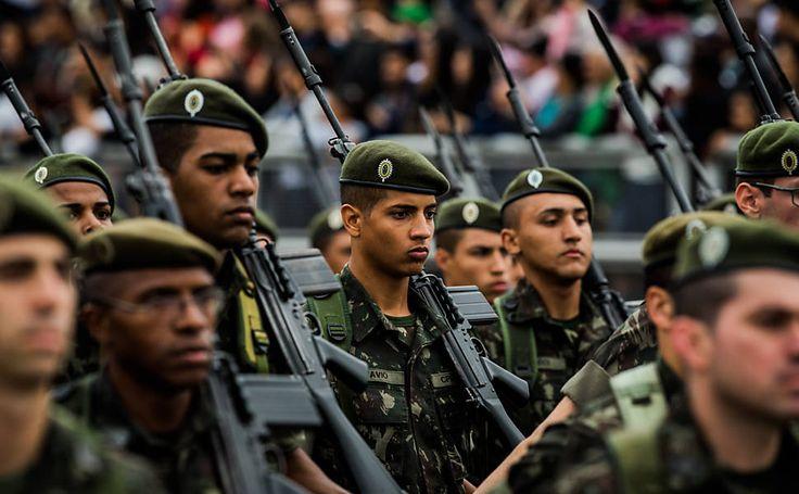 Aposentadoria de militares só deve mudar após reforma da Previdência