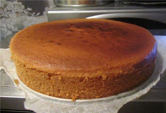 Торт с клубничной начинкой и сливками рецепт с фото