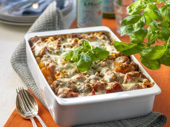 Mustig Pastagratang Med Kottbullar Tomatsas Och Ost Recept Ost