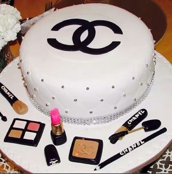 Chanel Makeup Cake Chanel Cake Cupcake Cakes Make Up Cake