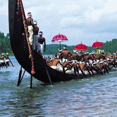 Rowing in India www.facebook.com/SundialTravelClubInc