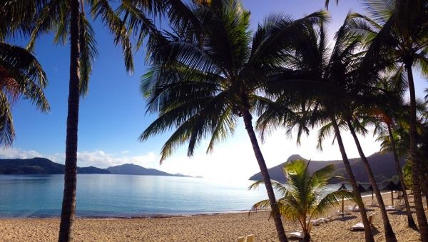 How To Have A '5-Star' Holiday On A '3-Star' Budget #holiday #5starholiday #hamiltonisland www.behealthy4life.com.au