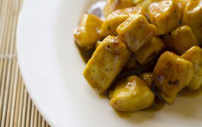 Pollo al miele e aceto balsamico - Ricetta facile e veloce, sia nella preparazione, sia nell'acquisto degli ingredienti; è un'idea perfetta per una cena di San Valentino Last Minute.