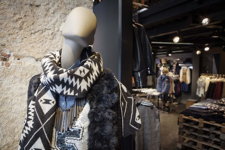 Geo prints on a #scarf in a #BSB_store!