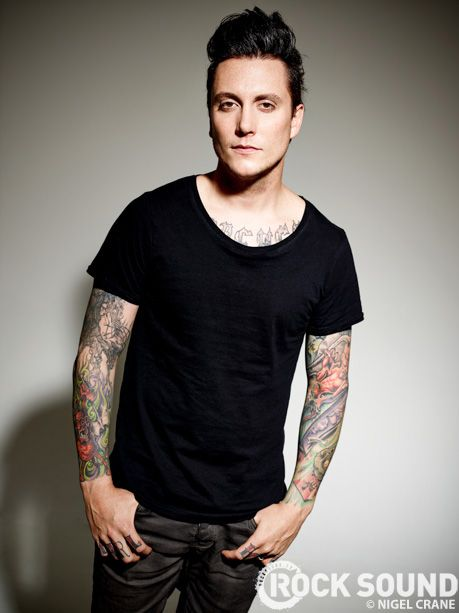 synyster gates sesión de fotos rock sound 2013