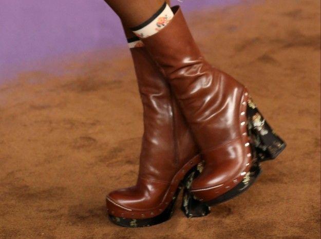 Prada, stivaletti marroni - Modello in pelle marrone dalla collezione di scarpe Primavera/Estate 2015