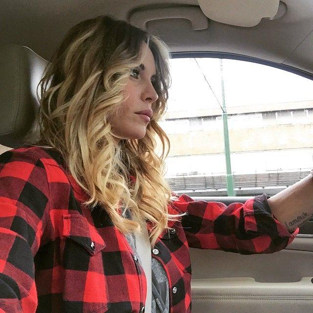 #ElenoireCasalegno Elenoire Casalegno: Nel traffico......#elenoire #casalegno #work #milano #premiogentleman
