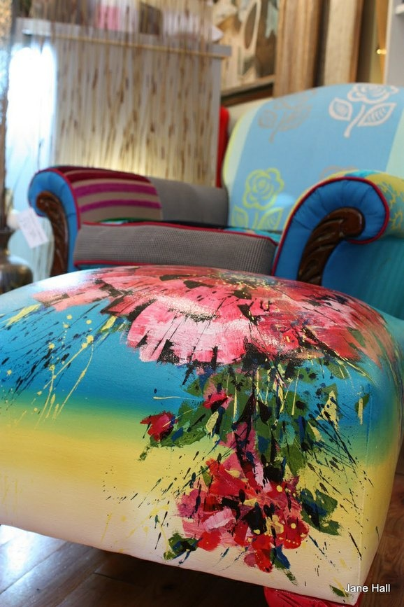 Hand painted: Paintings Ottomans, Paintings Furniture, Multiplication Fabrics, Hands Paintings, Hall Design, Chairs, Jane Hall, Design Tricia, Handpaint