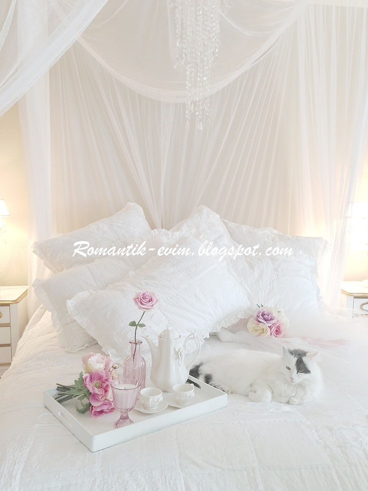 139 best shabby chic bedroom images on pinterest for Country shabby chic bedroom ideas