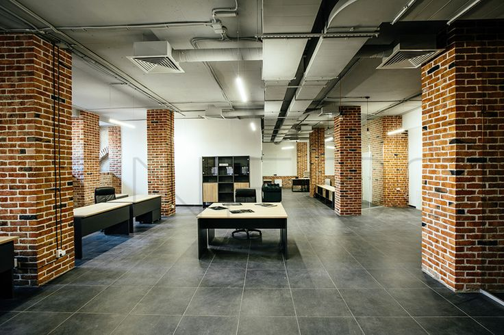 Линейные светильники COLIBRI освящая современный офис в стиле лофт. #светильник #Освещение