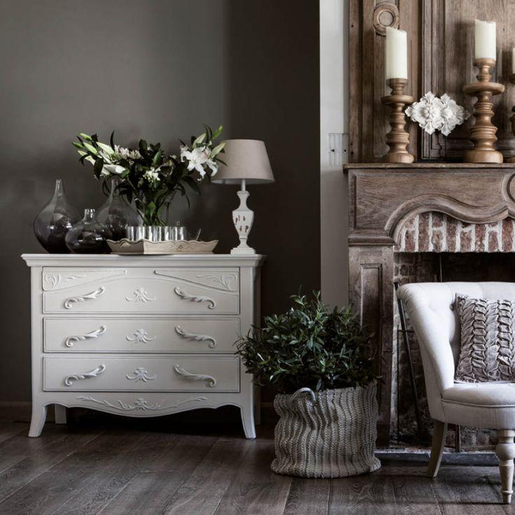 17 meilleures id es propos de commodes de style shabby chic sur pinterest vanit s de. Black Bedroom Furniture Sets. Home Design Ideas