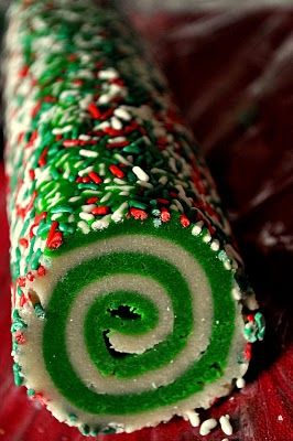 Christmas sugar cookies! can't wait to make these :) You could make these any color: Swirls Cookies, Christmas Cookies, Christmas Rolls, Pinwheels Sugar Cookies, Christmas Sugar Cookies, Sugar Cookies Swirls, Sugar Cookies Rolls, Rolls Sugar Cookies, Swirls Sugar Cookies