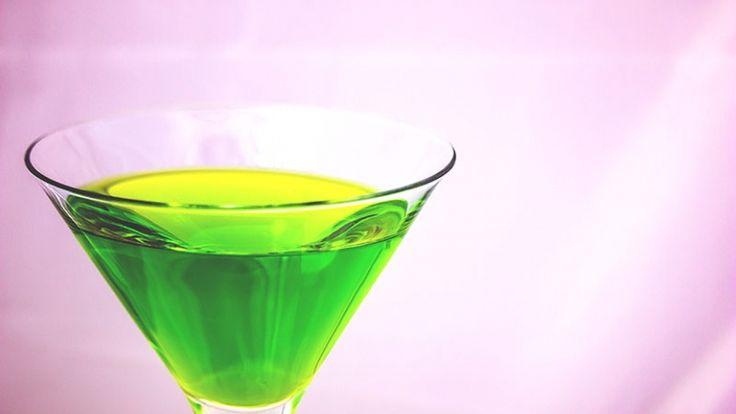 Japanese ice tea cocktail, cocktail molto alcolico verde, cocktail da sballo