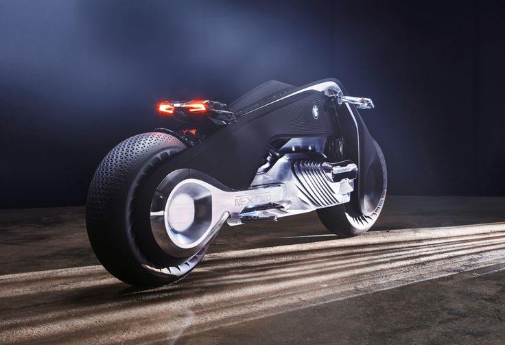 H BMW κλείνει 100 χρόνια και παρουσιάζει μια μοτοσυκλέτα για τα επόμενα 100. Το όραμα' για ένα εντελώς 'άλλο' δίτροχο όχημα παρουσιάστηκε στο Los Angeles των ΗΠΑ, στην έκθεση Iconic Pulse και έχει βαυαρική υπογραφή…