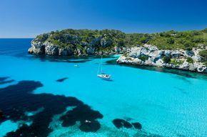 Menorca. El lujo del silencio compartido - Las 50 mejores playas de España que merecen una escapada