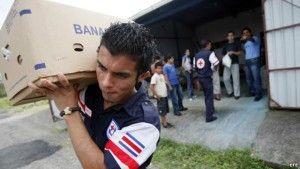 ENTÉRATE Y COMPARTE! Cruz Roja pide donaciones para inmigrantes cubanos varados en Costa Rica
