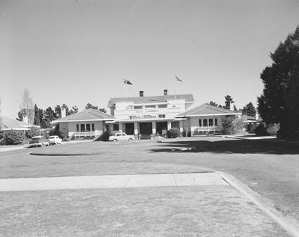 The Hotel entrance in 1957.