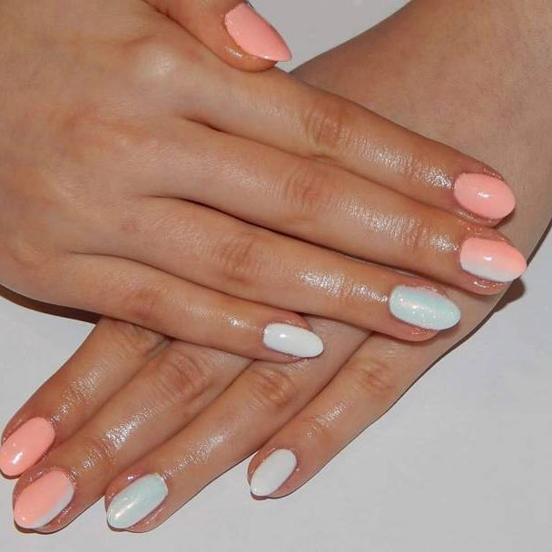 #homenails #hibrid #nails #ombrenails #efektsyrenki #holoeffect #semilacnails #spring #doit #sweet #lookoftheday #timewithfriends #instanails #manicure #nails2inspire #nailswag Semilac z ombre i efektem syrenki  YES or NO??