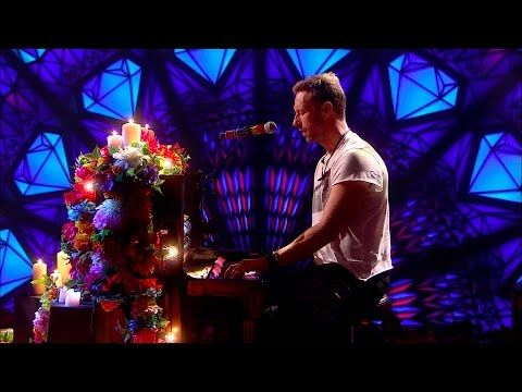 Coldplay - Everglow (Live on The Graham Norton Show) - YouTube