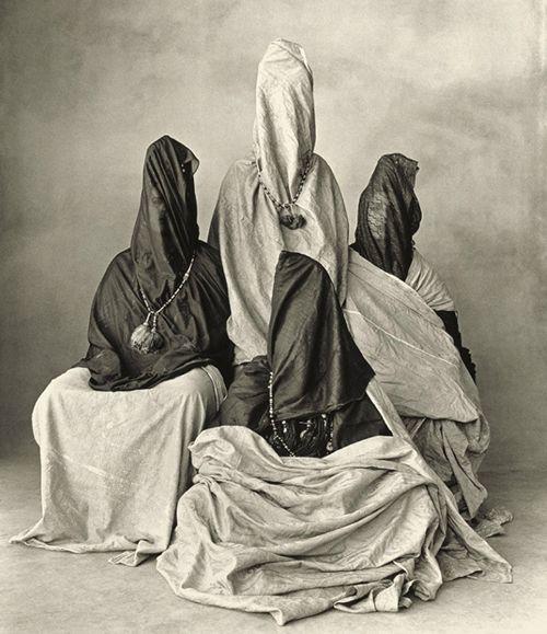 米国写真史に「神と称された男」が捉えた「ニューギニアの部族」の衝撃