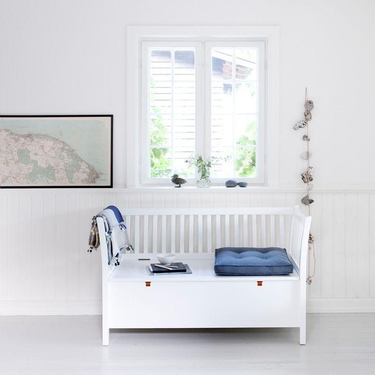 Oliver Furniture Kökssoffa / liten vit slagbänk 131cm