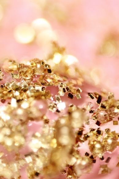 Pink And Gold Bathroom Decor: Golden Glitter