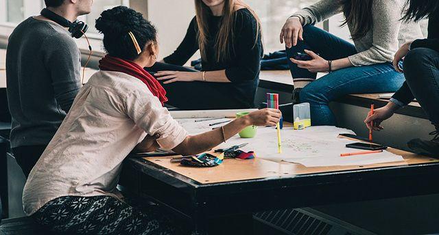 Tips Cara Cerdas Mengatur Keuangan Pribadi Bagi Mahasiswa agar menjadi modal usaha kecil mahasiswa, atau bisa dijadikan tabungan untuk pendidikan masa depan