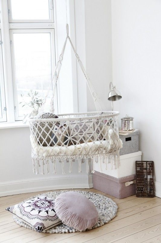 27 Gorgeous Suspended Cradles For Your Baby | DigsDigs