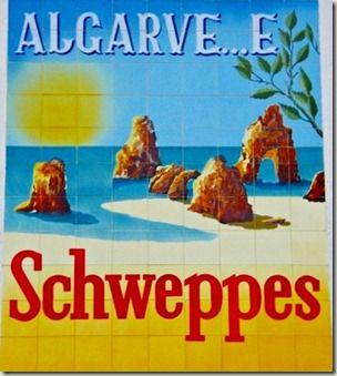 E ste anúncio de azulejos coloridos da Schweppes foi sempre um dos mais bonitos cartões de visita do Algarve. Este, ou a outra versão com ch...