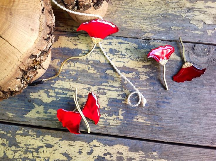 #kolie #skoularikia #daxtylidi #kokkino #red #necklace #ring #earrings #vintage #mushrooms #wood #jewelry