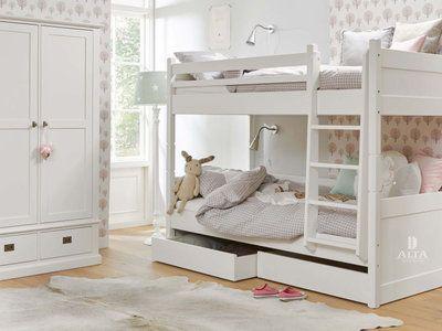 Deelbaar Stapelbed van Alta meubelen, dit Nederlandse kwaliteit merk maakt een grote collectie van massief grenenhout. Het is bed is dus zo gemakkelijk aan iedere stijl en kamer aan te passen. Elk ...