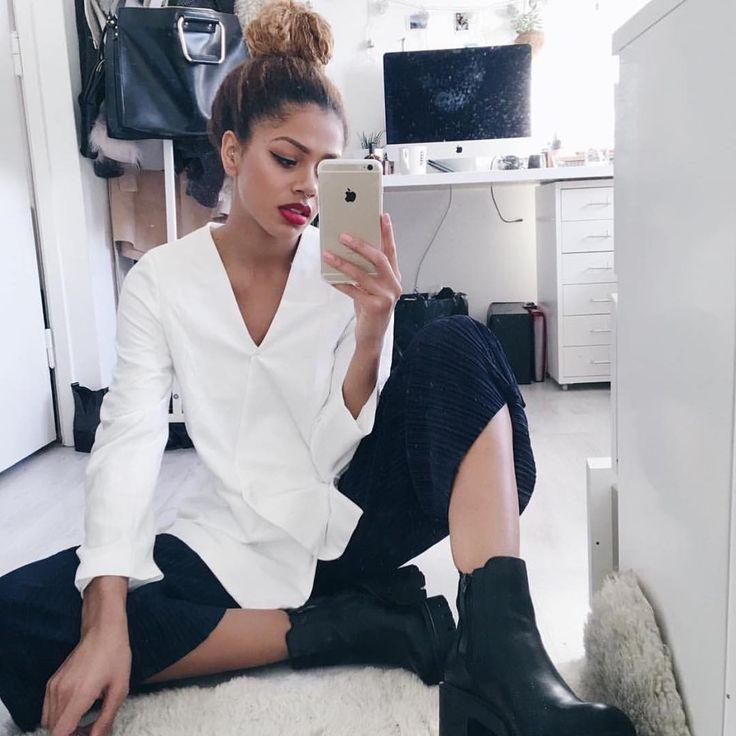 Stunner @tashaggreen styling our White Tailored Blazer ✔️✔️ www.prettylavish.co.uk #newin#new#newness#white#tailored#blazer#girls#fashion#dressy#sophisticated#classy#online#boutique#love#dinnerdate#fblogger#asos#asosmarketplace#silkfred#pretty#lavish#uk#prettylavish