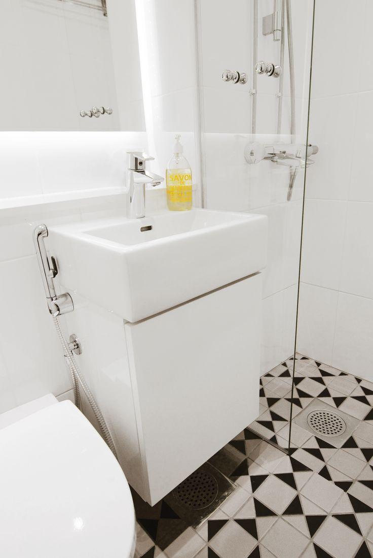 focus on the floor / pukkila tiles