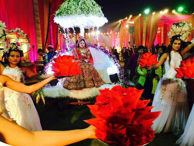 Bridal Entry at Beautiful Bagghi, decorated with Flowers & Lighting. #AouraaProduction.