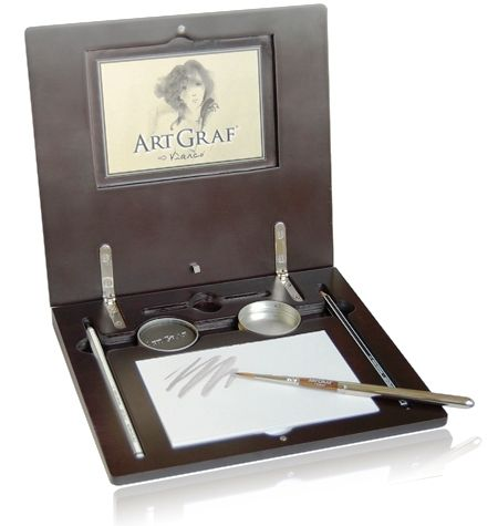 Notebook Artgraf – portable drawing studio. A beautiful and portable graphite drawing studio that allows the artist to draw or paint wherever and whenever wanted.
