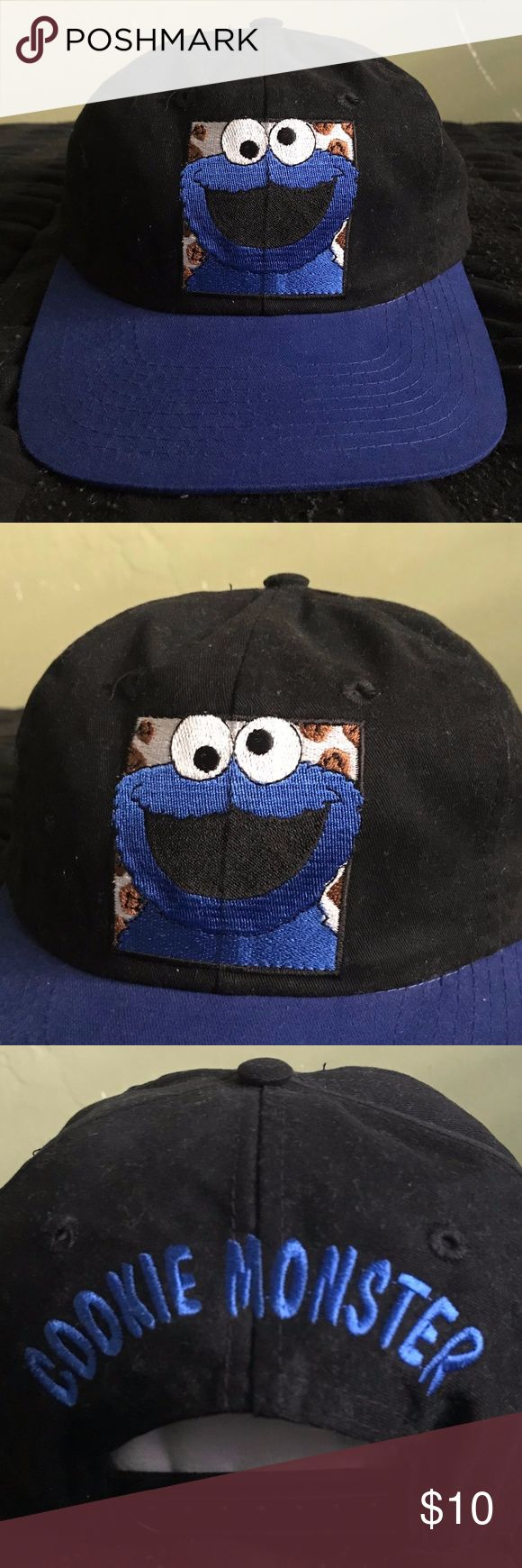 VTG 90's COOKIE MONSTER SESAME STREET SNAPBACK NEW Details:  Great new condition! No stains or holes. Unworn item. Black cap with blue brim. Cookie Monster character embroidered on front of caps. Cookie Monster spell-out embroidered on back of cap above snap adjustment. Vintage green under-brim. Original inside tags.  *Ships from US.  *Same or next day shipping.  *First-Class US shipping (delivery in 1 to 3 business days).  *First-Class International shipping (delivery in 7 to 21 business…