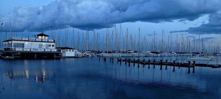 Marina di Ravenna in blu - foto di Trevor Crane