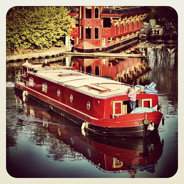 houseboat london narrow boat - jeff drove/steered/navigated one of these in Nottingham, UK. They are beautiful.