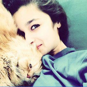 Alia Bhatt: Selfie