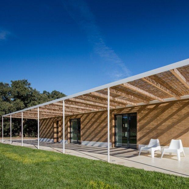 Casa da Vinha dans un vignoble au Portugal par les architectes de blaanc - Journal du Design