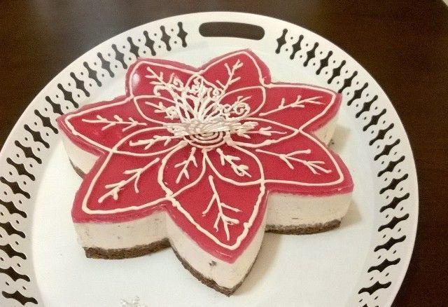 Ihana valkosuklaa-glögikakku kruunaa joulupöydän. Nimimerkki Irzu @kotikokki.net