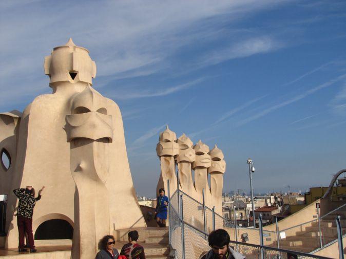 Se avete voglia di visitare Barcellona vi consiglio di farlo con un'ottica architettonica, puntando tutto sulle opere di maggior rilievo di un personaggio eclettico e stravagante quale Antoni…