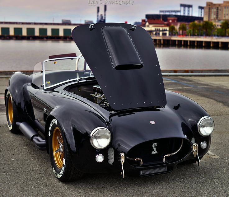 You will ❤ MACHINE Shop Café... ❤ Best of Ford @ MACHINE ❤ (Beautiful Black & Gold AC Cobra)