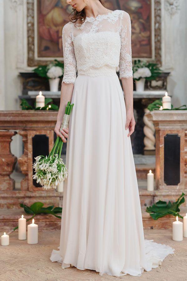love the lace sleeves! http://weddingwonderland.it/2015/10/matrimonio-barocco.html