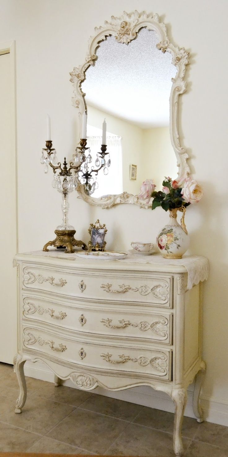 318 best meuble peint images on pinterest painted for Meuble for french furniture