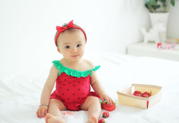Mini-pousine aly elle n'est pas craquante dans son #maillot de #bain #babou à 8€ ? #baby