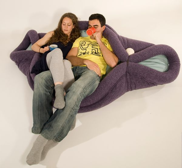 Blandito is a multifunctional pad, able to transform itself easily under the hands of adults and kids. Convertible in rug, armchair, bean-bag or sleeping bag, it can assume a lot of shapes, maximizing the user's fun and comfort.