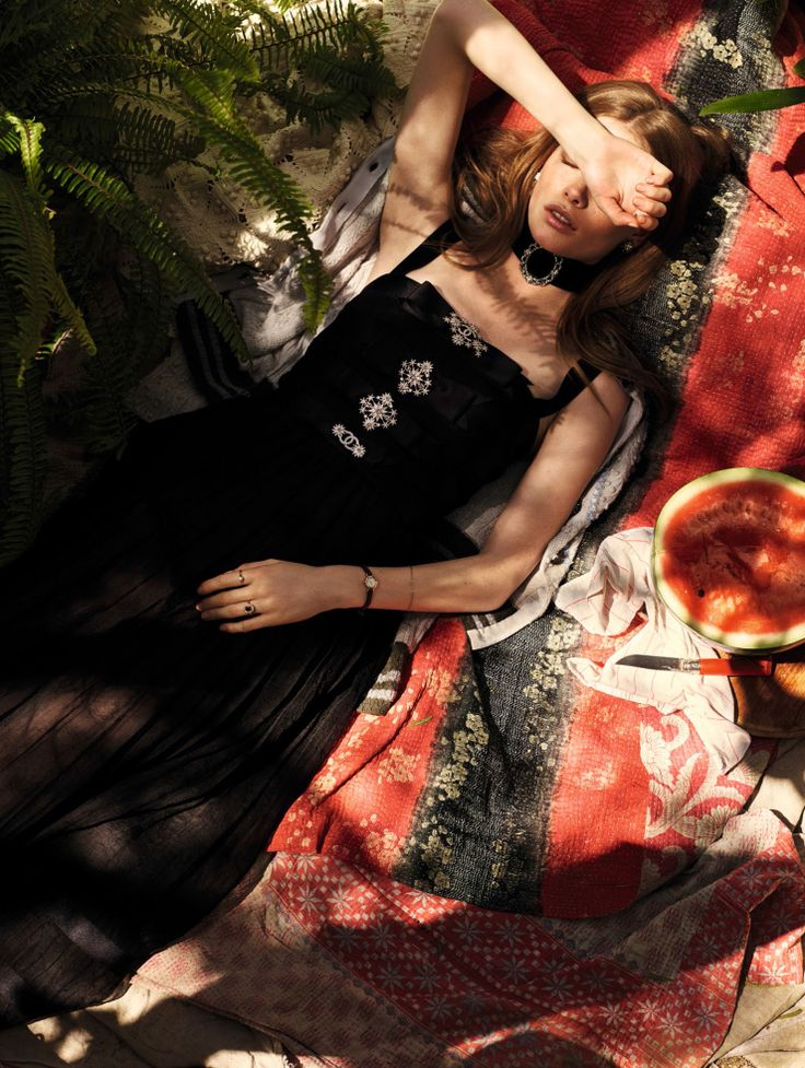 julia-hafstrom-by-mark-segal-for-vogue-china-july-2015-6