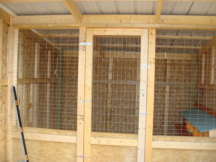 1000 images about chicken coops on pinterest coops for Chicken coop interior designs