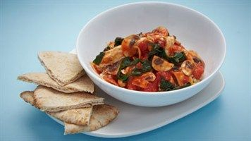 Quinoa with Chicken, Spinach, Mushroom and Tomato sauce